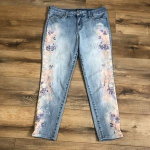 Bandolino Mandie Crop Jean with Floral Embroidery